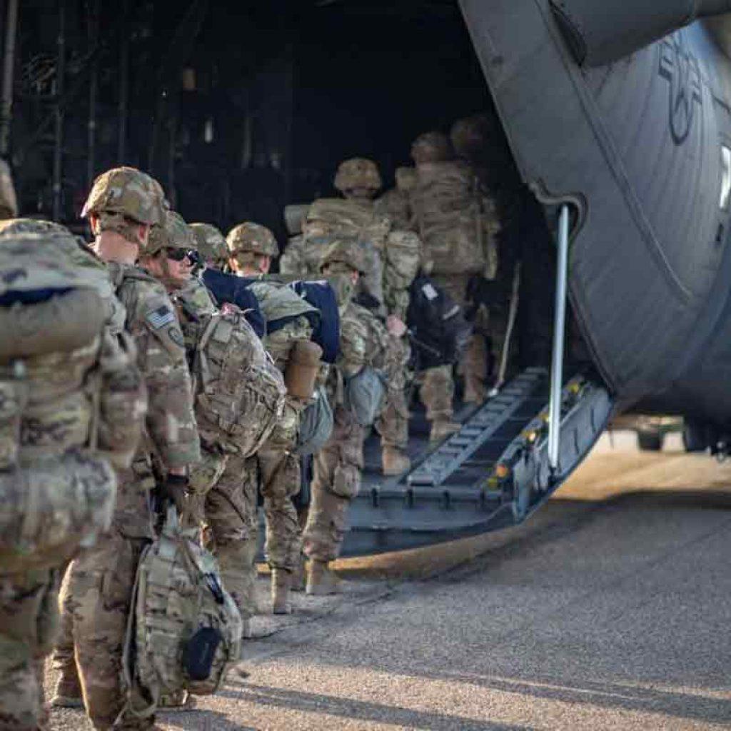 soldiers-board-C130-iraq-2-1200